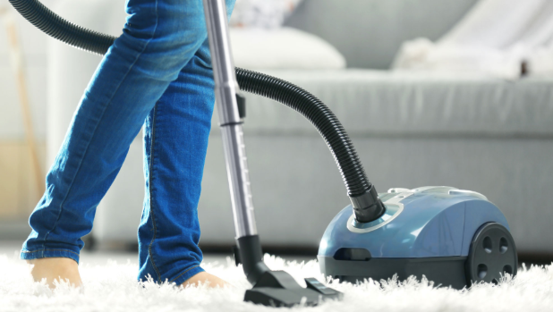 What is the difference between a Carpet Steamer and a Vacuum Cleaner
